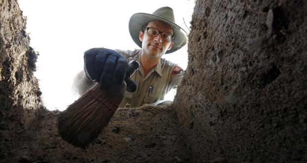 Archaeological excavation at Hopewell by PhD student Andrew Weiland